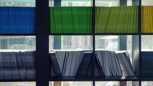 Bücherregal - Anwaltskanzlei Agethle-Buratti-Piccolruaz